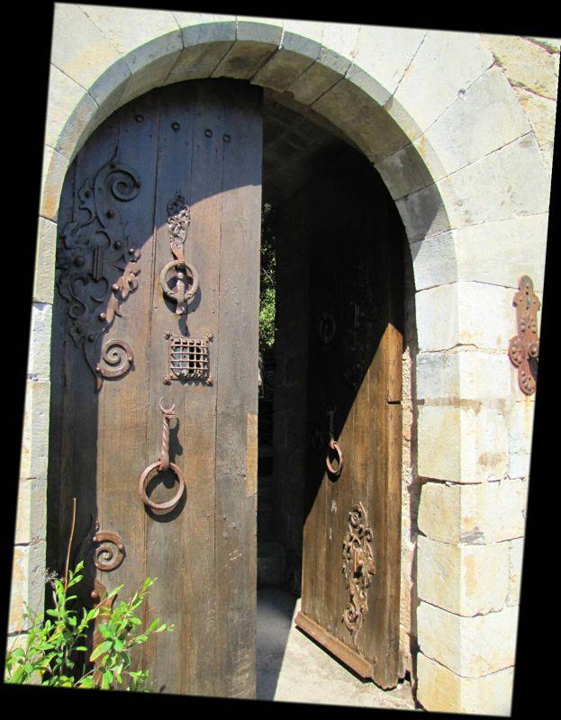 Door to the Château - Castelnou