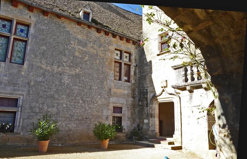 Château de Fénelon - Courtyard