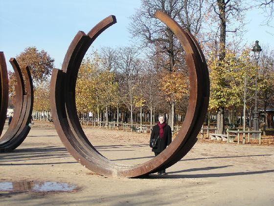 Me hiding behind a Bernar Venet installation in the Tuileries Gardens - Paris