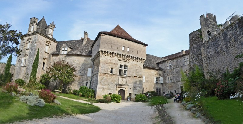 Château de Cénevières (panorama from two photos)