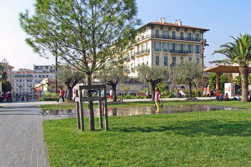 Fun Fountain at the Promenade du Paillon
