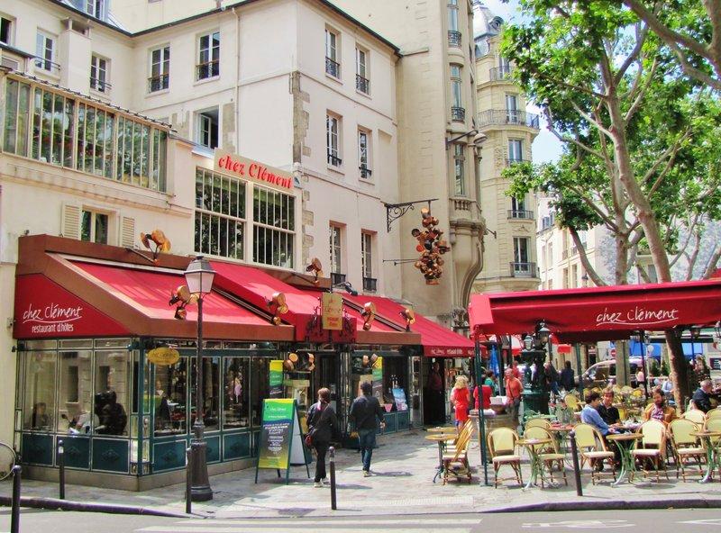 Place Saint-André des Arts in Paris