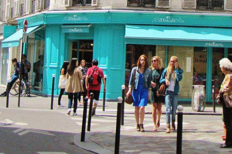 Diwali where I love to buy scarves in Paris