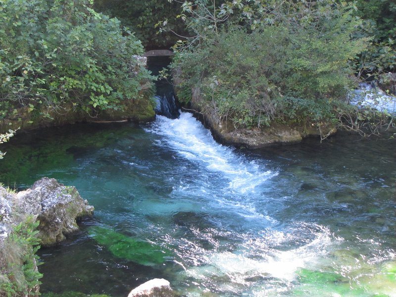 Beginning of the Sorgue River above Fontaine-de-Vaucluse
