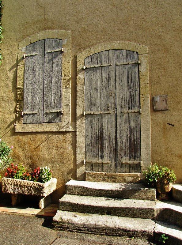 Blue Door on rue de Temple, Lourmarin