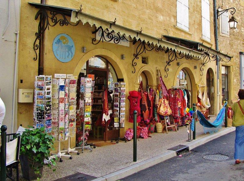 Souvenir shop in Lourmarin