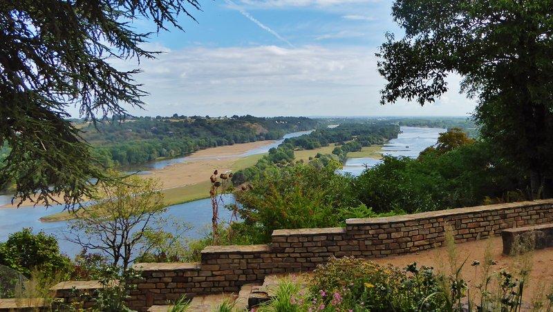 Champtoceaux Walk along the Loire