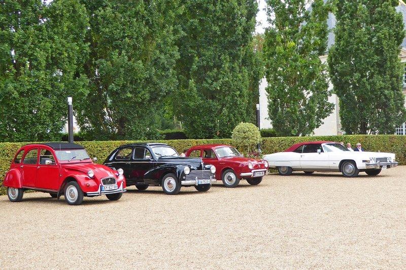 Impromptu Car show at Château Azay-le-Rideau