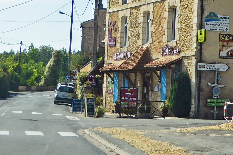 Hotel-Restaurant Le Cygne in Le Bugue