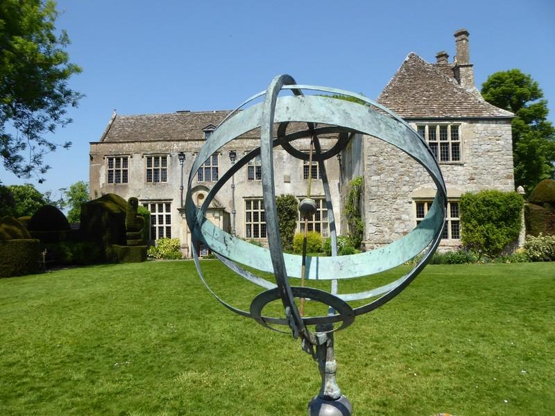 Sundial at Avebury Manor