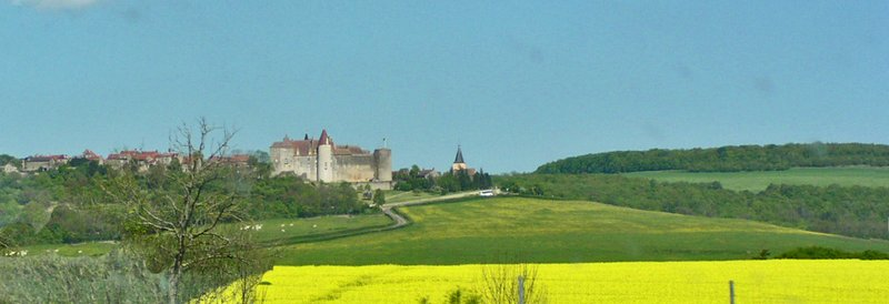Châteauneuf-en-Auxois from the highway