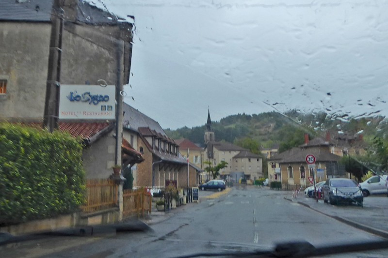 Driving through Le Bugue in the rain