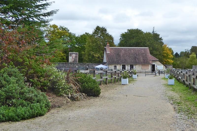 Château de Beauregard Entrance and Gift Shop