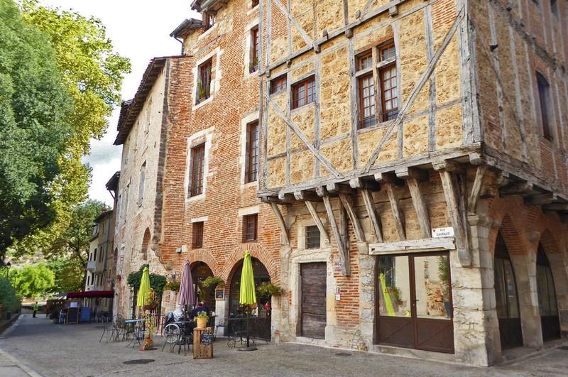 Cahors street scene