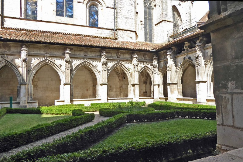 Cloisters of Cathédrale Saint-Étienne in Cahors