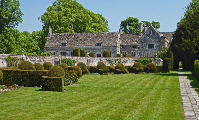 Back view of Avebury Manor from the Garden