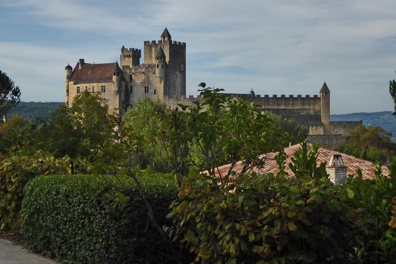 Château de Beynac seen as you drive to the higher parking lot.