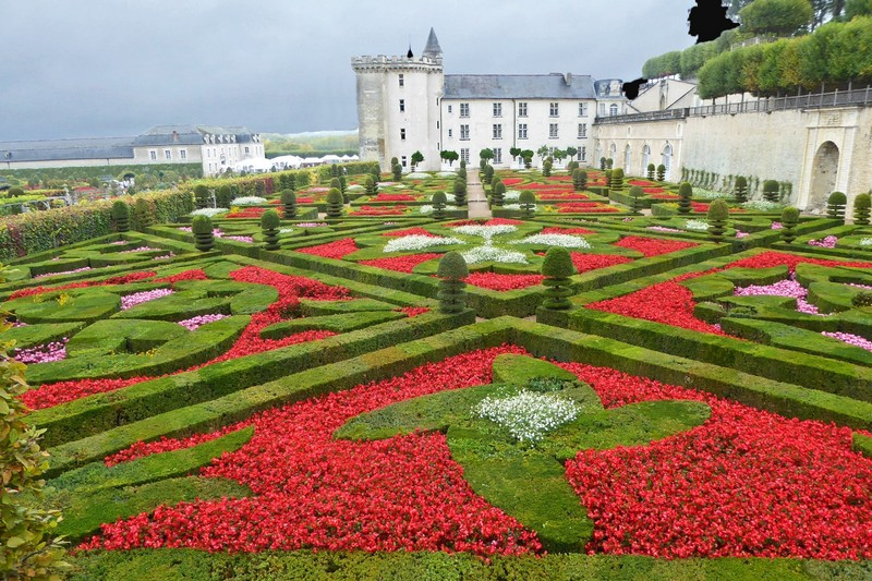 View of the Love Garden and the Château from the terrace garden