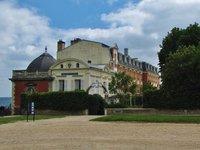 Pavillon Henri IV beside the Château de Saint-Germain-en-Laye