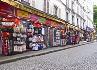 Rue de Steinkerque walking from Anvers Metro to Sacre Cœur