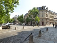 Place Baudoyer, a market place beside Église Saint Gervais et Saint Protais