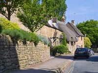 Driving into Chipping Campden
