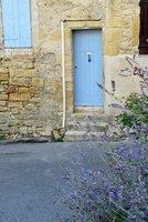 Blue door in Ansouis