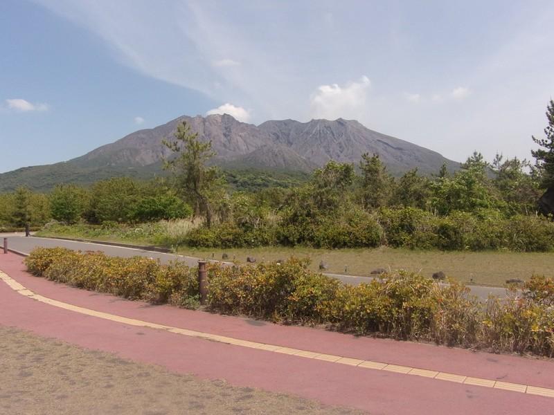 The walk between Karasujima Observatory and Akamizu Observatory.