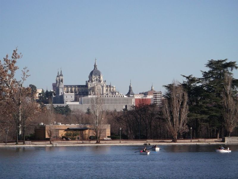 View of the cathedral from Casa de Campo lake. - Madrid