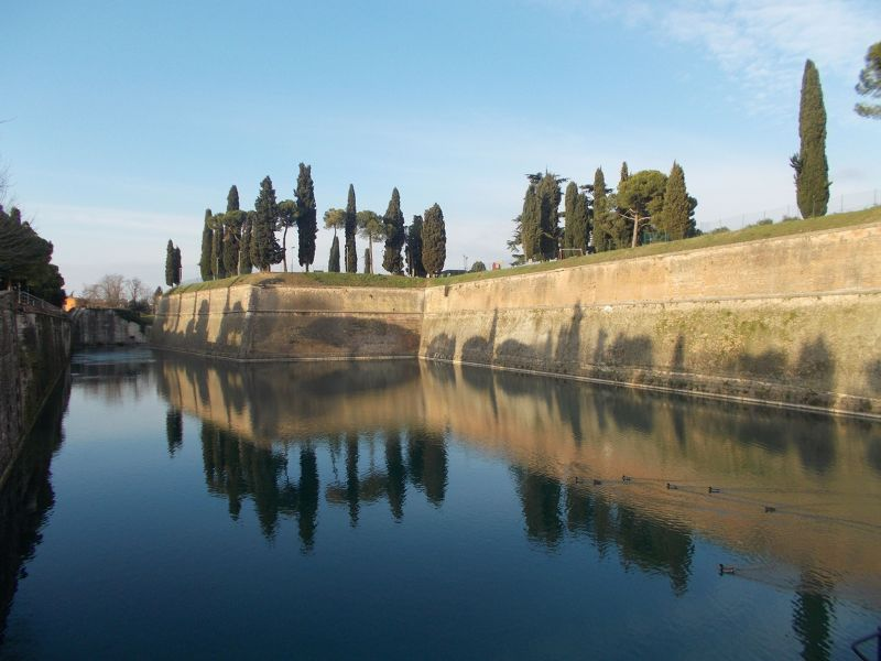 The remains of the fortress - Lago di Garda