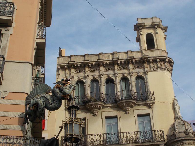 Casa dels paraigües - Umbrella House. - Barcelona