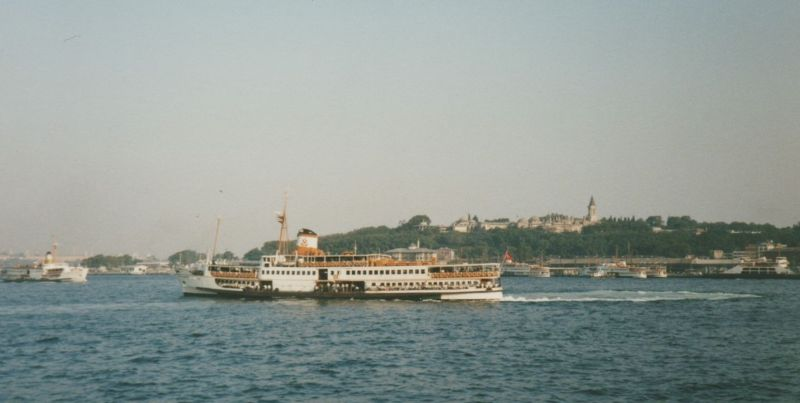 large_237876187185057-Ferry_with_T..d_Istanbul.jpg