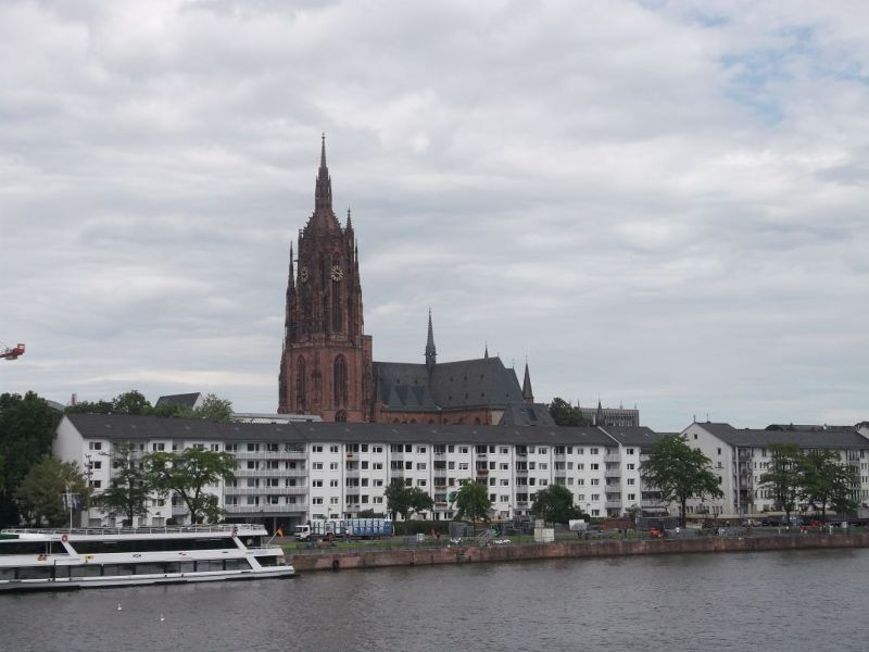 Looking towards the cathedral. - Frankfurt am Main