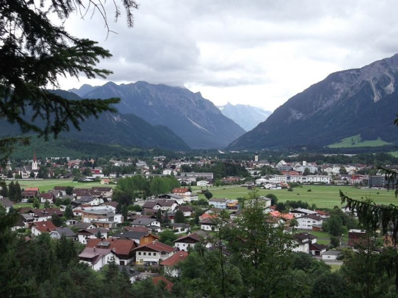 View over Reutte on walk up to Urisee. - Reutte