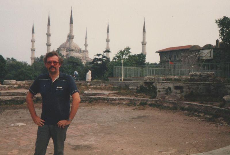 large_391851027186188-My_husband_o..e_Istanbul.jpg