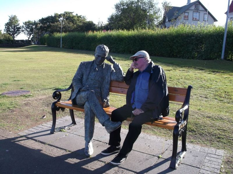 Statue of poet Tomas Gudmundsson. - Reykjavík