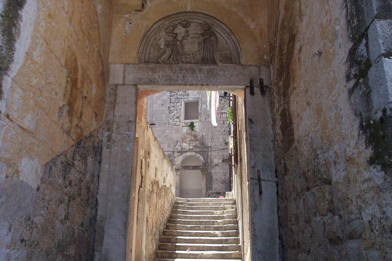 large_456897666790468-A_steep_side.._Dubrovnik.jpg