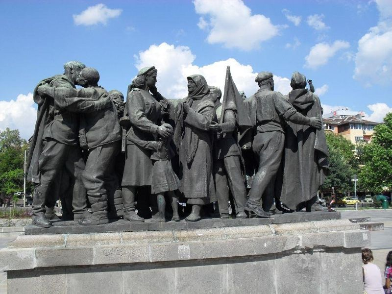large_4885178-Part_of_Red_Army_Monument_Sofia.jpg