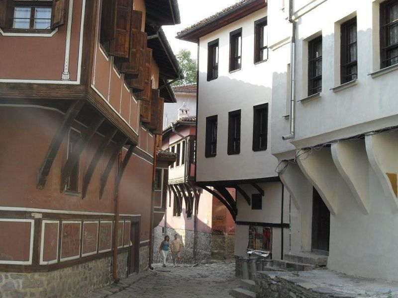 large_4885207-Old_Wooden_Houses_Plovdiv.jpg