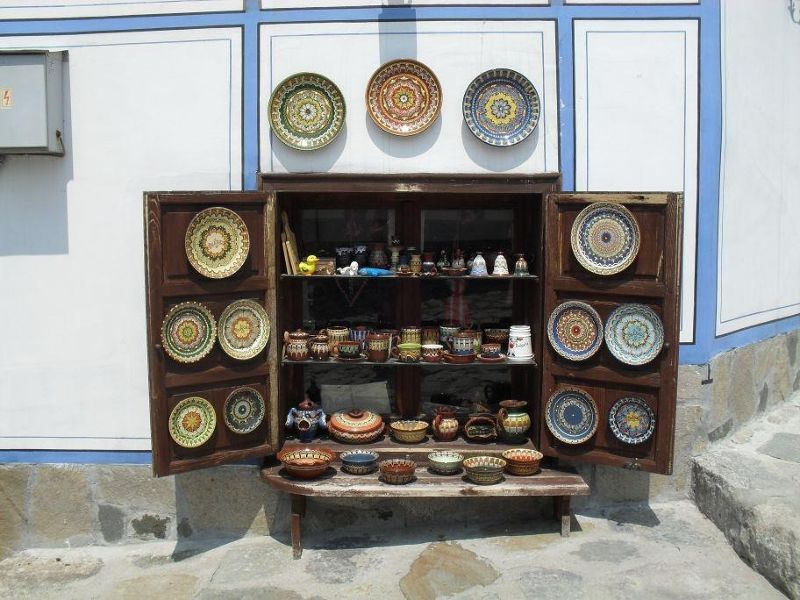 large_4885208-Souvenir_Shop_in_the_old_town_Plovdiv.jpg