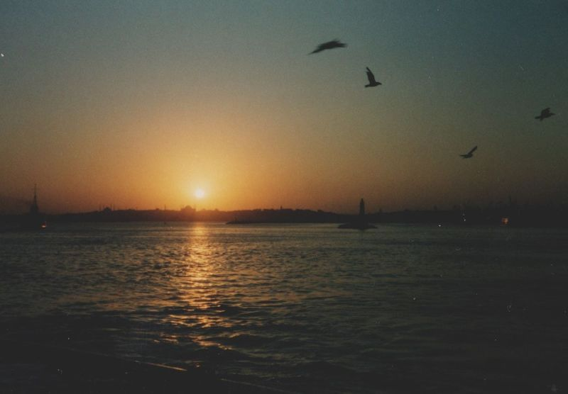 large_528477267188795-Sunset_over_..r_Istanbul.jpg