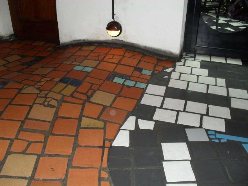 Uneven floors at museum - Vienna