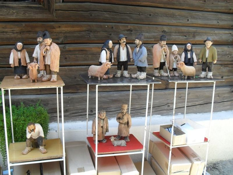 Romanian clay figures. - Bucharest