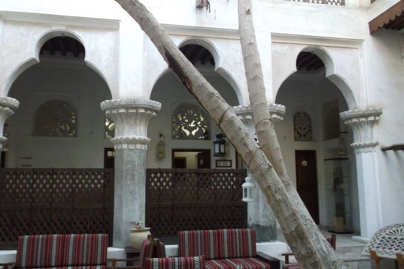 large_6029993-Courtyard_in_Bastakiya_Dubai.jpg
