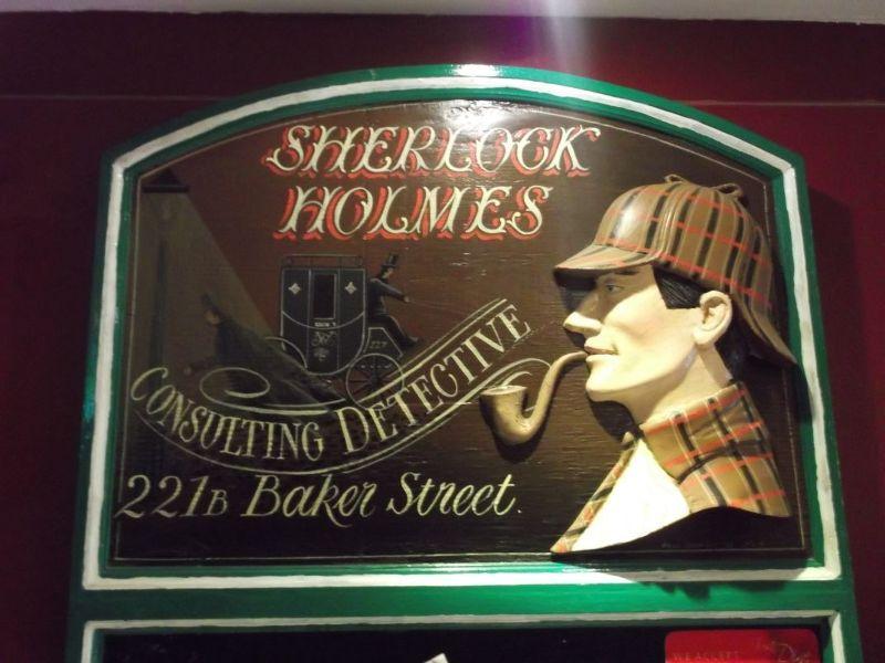 large_6158671-Holmes_plaque_Dubai.jpg