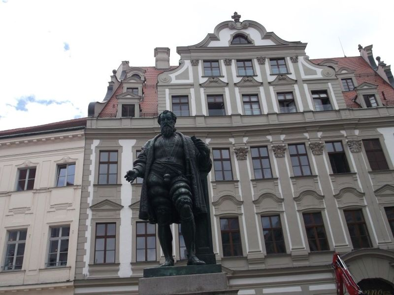 Fugger House and Statue