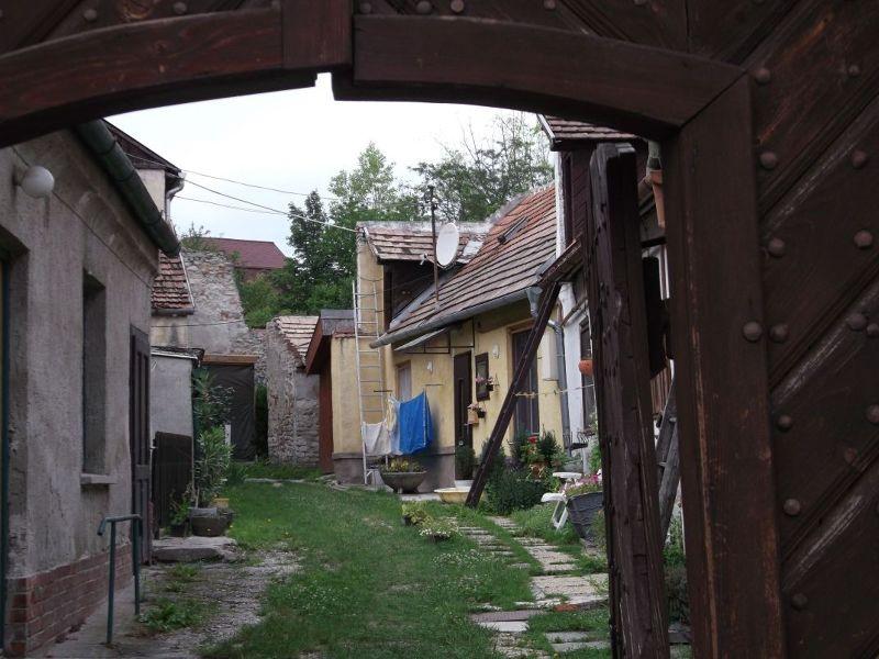 Sleepy courtyard, Sopron. - Sopron