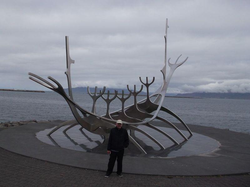 My husbnd at Sun Voyager. - Reykjavík
