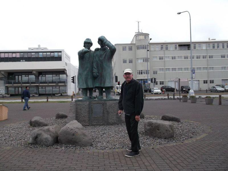 Fishermen's statue. - Reykjavík