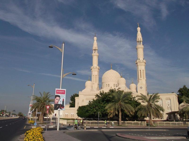 large_6472591-Jumeriah_Mosque_Dubai.jpg
